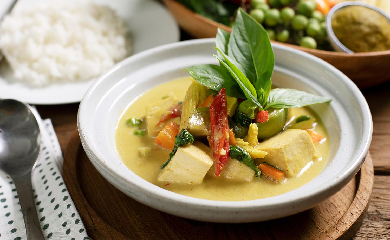 Tofu Green Curry (แกงเขียวหวานเต้าหู้)